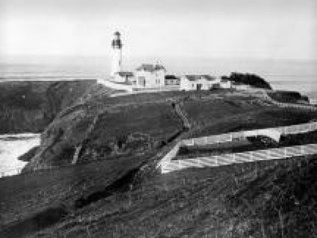 Light keeper's garden restored at Yaquina Head Lighthouse